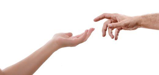Wir reichen Dir die Hände